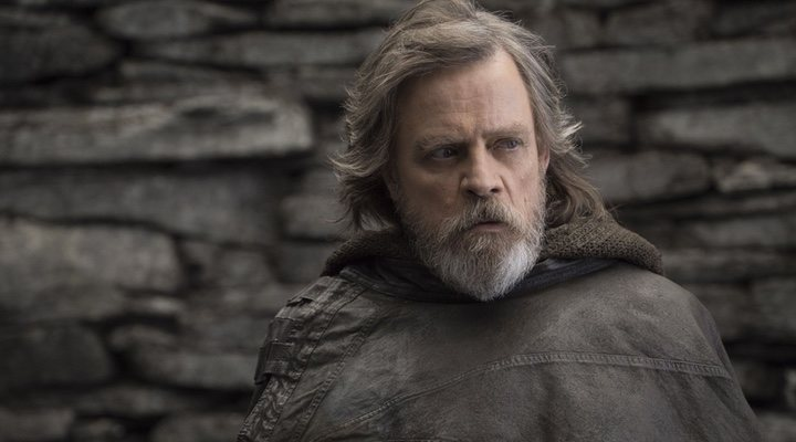 Mark Hamill como Luke Skywalker.