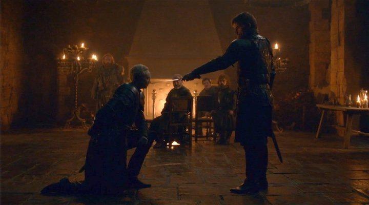 Jaime nombra a Brienne caballero