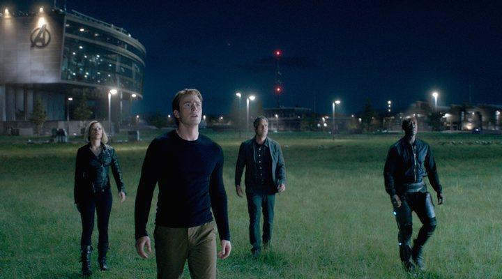 Scarlett Johansson, Chris Evans, Mark Ruffalo y Don Cheadle en 'Vengadores: Endgame'