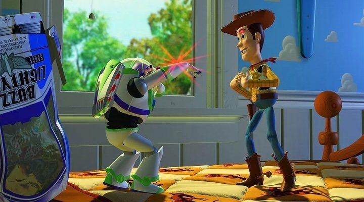 Escena Woody y Buxx Lightyear primera película