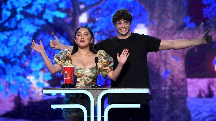 Noah Centineo y Lana Condor MTV Awards