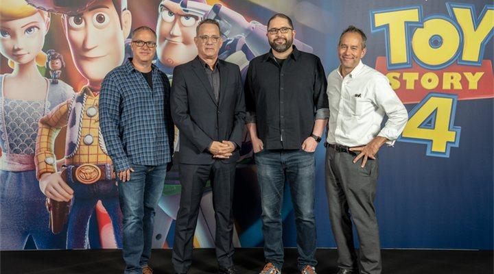 Josh Cooley, Mark Nielsen, Jonas Rivera y Tom Hanks en la rueda de prensa de 'Toy Story 4' en Barcelona