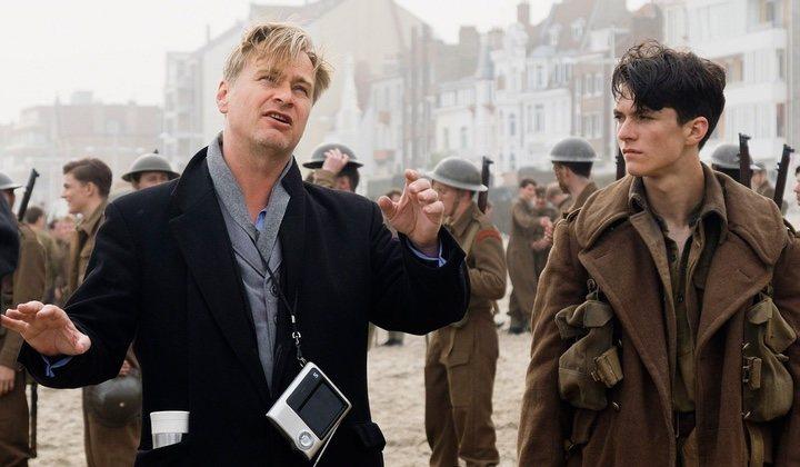 Christopher Nolan dirigiendo en 'Dunkerque'