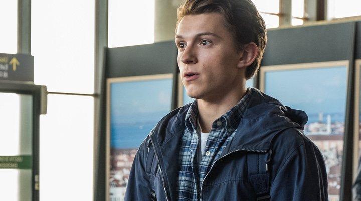 Tom Holland es Spider-Man en 'Spider-Man: Lejos de casa (2019)'