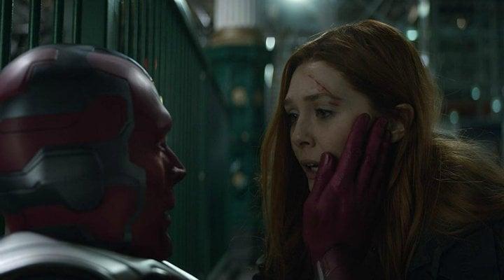 La Bruja Escarlata y Vision en 'Vengadores: Infinity War'