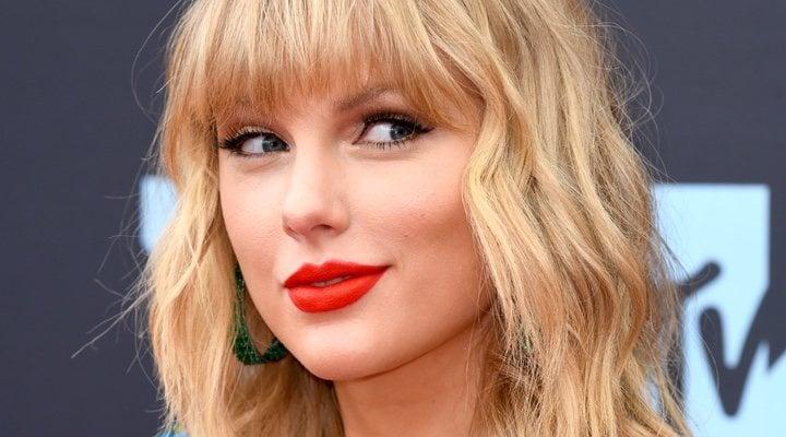 Taylor Swift en la alfombra de los MTV Video Music Awards