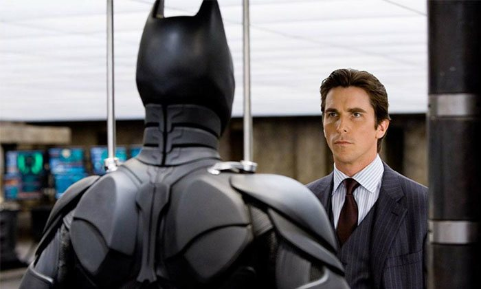 Christian Bale como Bruce Wayne en 'El Cabalero Oscur'