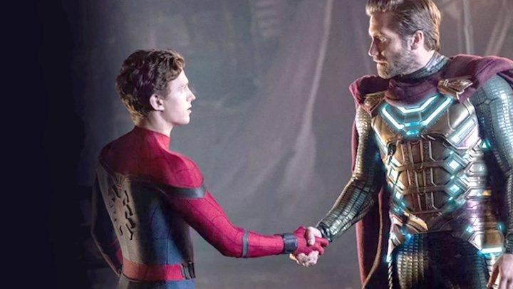 Presunto montaje donde vemos a Spider-Man traicionando a Mysterio