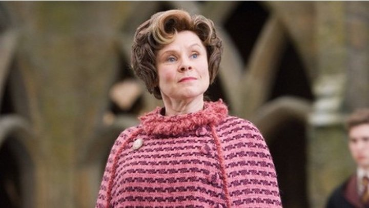 Imelda Staunton sustituta Olivia Colman The Crown
