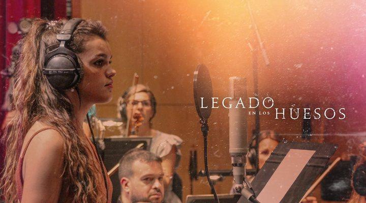 Amaia canta la canción de 'Legado en los huesos'
