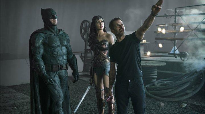 Zack Snyder, Gal Gadot y Ben Affleck durante el rodaje de 'Liga de la Justicia'