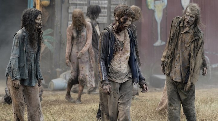 Los caminantes muertos vuelven en 'The Walking Dead: World Beyond'