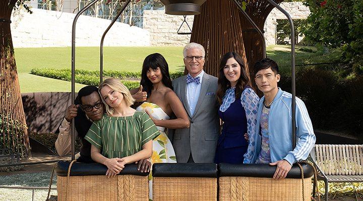 'Los protagonistas de 'The Good Place' en uno de los últimos episodios de la serie'