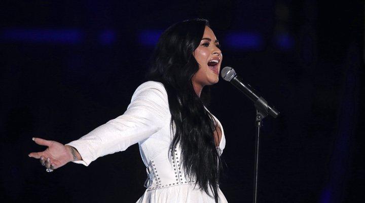 Demi Lovato volvió a la mirada mediática con su actuación poderosa a los Grammy
