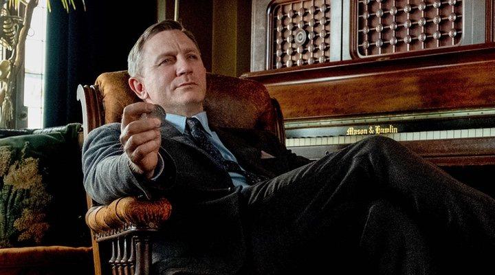Daniel Craig es Benoit Blanc en 'Puñales por la espalda (2019)'
