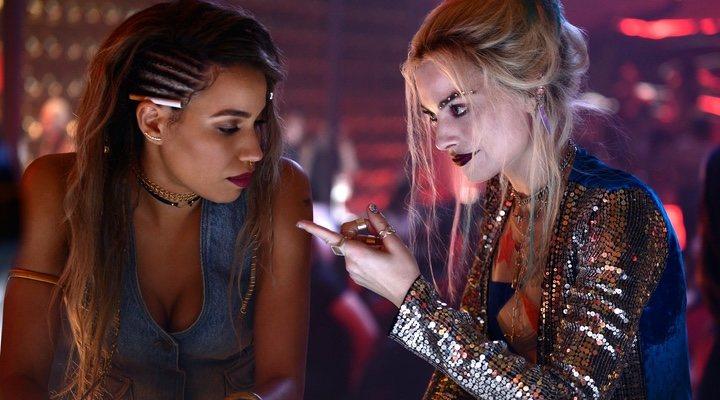Jurnee Smollett-Bell como Canario Negro y Margot Robbie como Harley Quinn en 'Aves de presa'