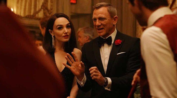 'Daniel Craig y Chloe Fineman'
