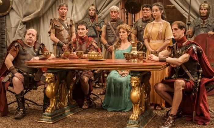 Escena de la segunda temporada de 'Justo antes de Cristo'