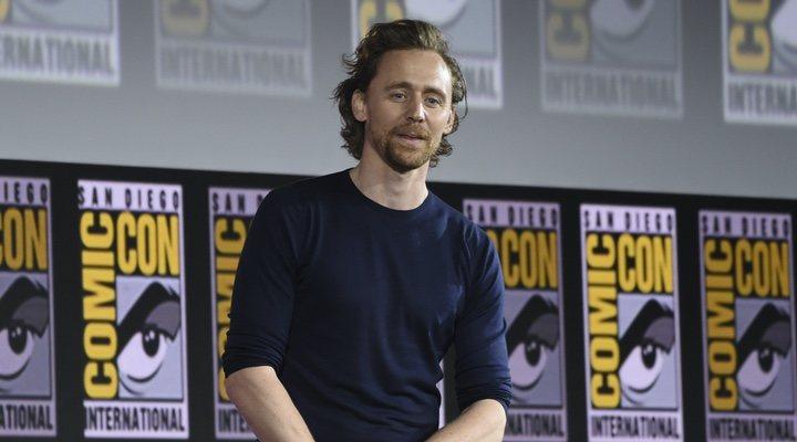 Tom Hiddleston en la Comic-Con de 2019