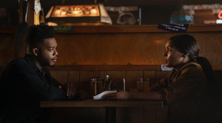 Janelle Monáe y Stephan James en 'Homecoming'