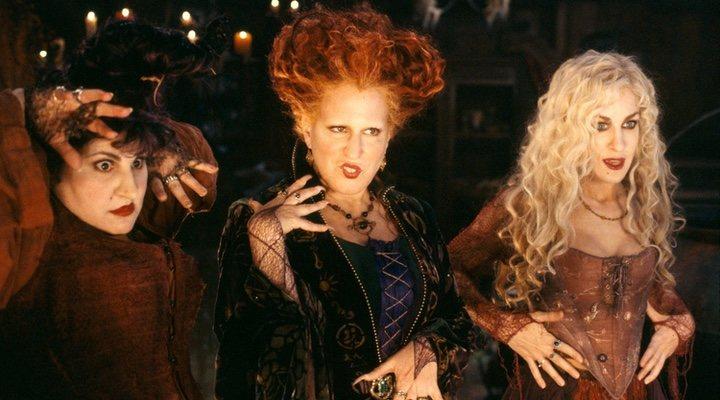 Kathy Najimy, Bette Midler y Sarah Jessica Parker en 'El retorno de las brujas' (1993)