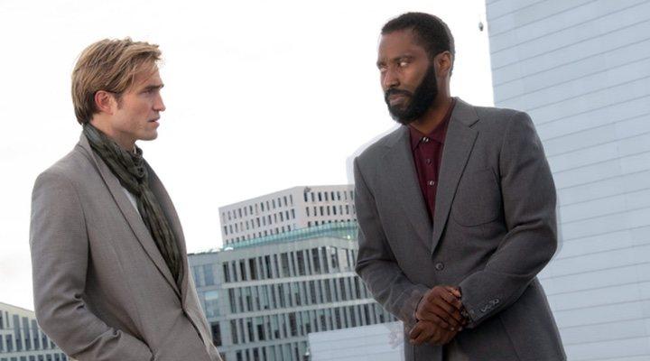 Robert Pattinson y John David Washington en 'Tenet'