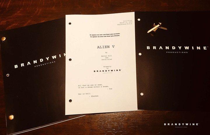 Borrador del guion de 'Alien 5'