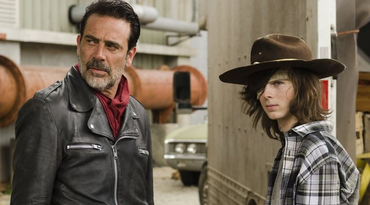 Jeffrey Dean Morgan y Chandler Riggs en 'The Walking Dead'