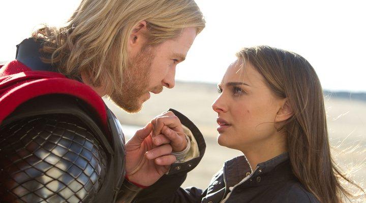 Chris Hemsworth y Natalie Portman en 'Thor'