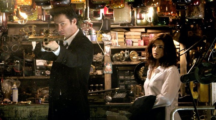 Keanu Reeves y Rachel Weisz en 'Constantine' (2004)