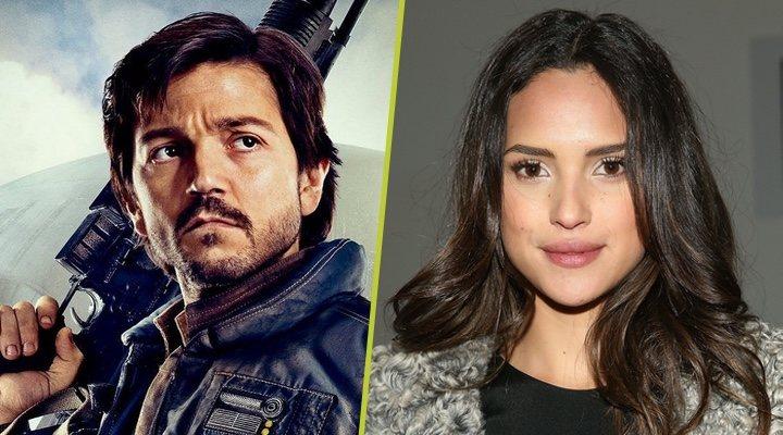 Diego Luna como Cassian Andor en 'Rogue One' y el nuevo fichaje de la serie spin-off Adria Arjona