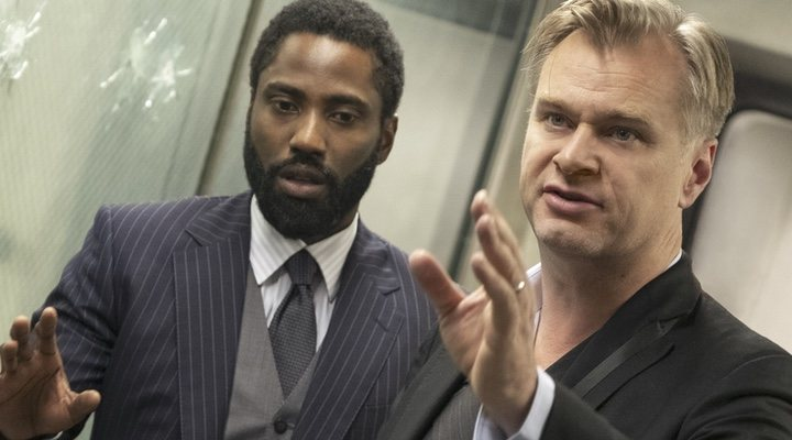 John David Washington y Christopher Nolan en 'Tenet'