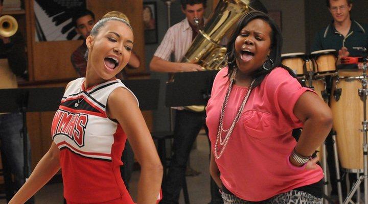 Amber Riley y Naya Rivera en 'Glee'