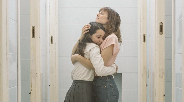 Natalia de Molina y Andrea Fandos en 'Las niñas'
