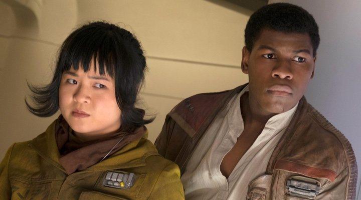 Kelly Marie Tran y John Boyega en 'Star Wars'
