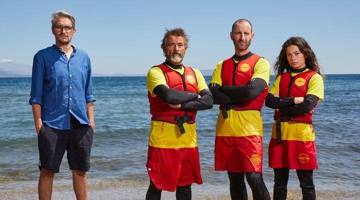 Dani Rovira con el director y los protagonistas de 'Mediterráneo'