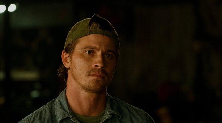 Garrett Hedlund en 'Triple frontera'