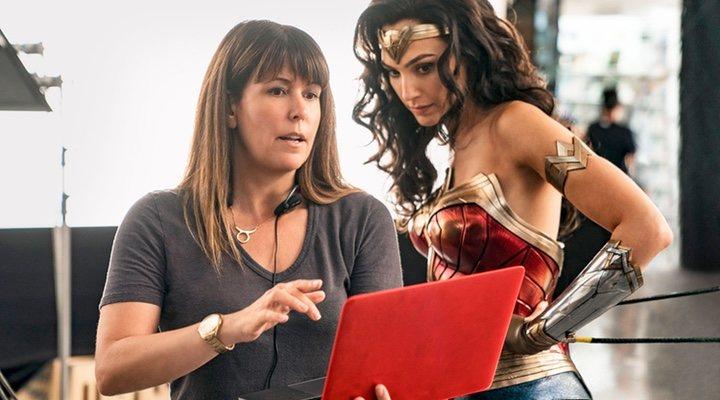 Patty Jenkins y Gal Gadot en el set de 'Wonder Woman'