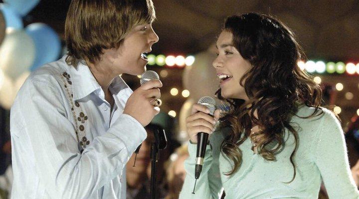 Zac Efron y Vanessa Hudgens en 'High School Musical'