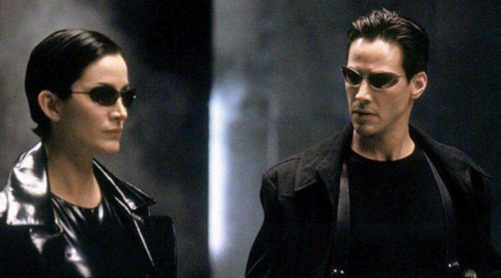 Carrie-Ann Moss y Keanu Reeves en 'Matrix'