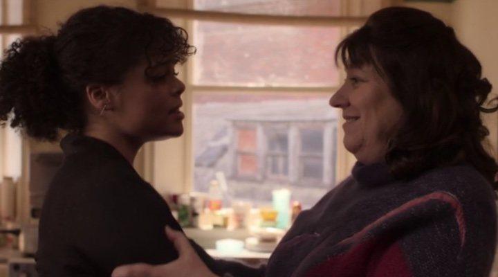 Lydia West y Jill Nalder en 'It's a Sin'