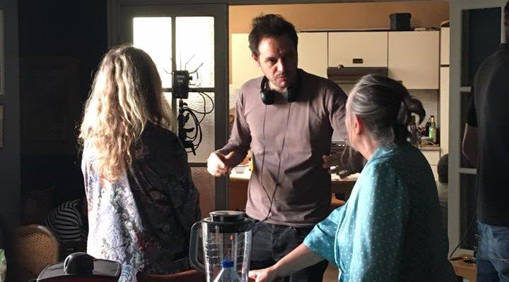 Filippo Meneghetti dirigiendo a Barbara Sukowa </p><p>y Martine Chevallier en el rodaje de 'Entre nosotras'