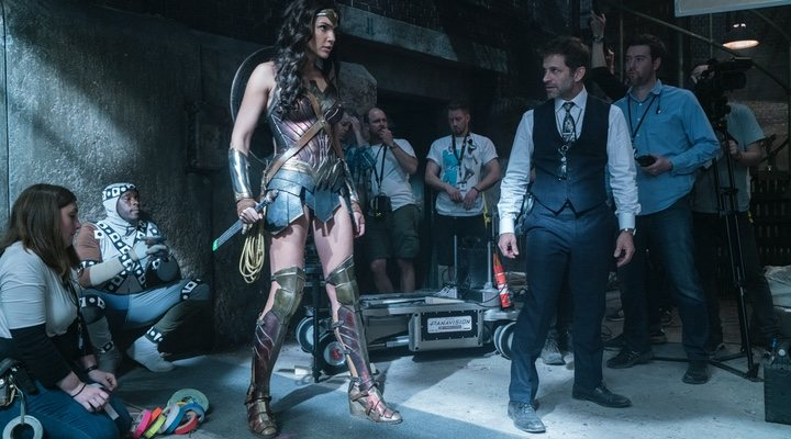 Zack Snyder y Gal Gadot en el rodaje de 'La Liga de la Justicia de Zack Snyder'