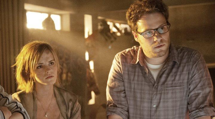Emma Watson y Seth Rogen en 'Juerga hasta el fin'