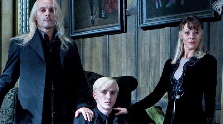 Jason Isaacs, Tom Felton y Helen McCrory como Lucius, Draco y Narcissa Malfoy en 'Harry Potter'