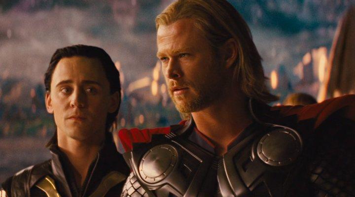 Tom Hiddleston y Chris Hemsworth en 'Thor'