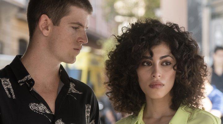 Miguel Bernardeau y Mina El Hammani en 'Élite'