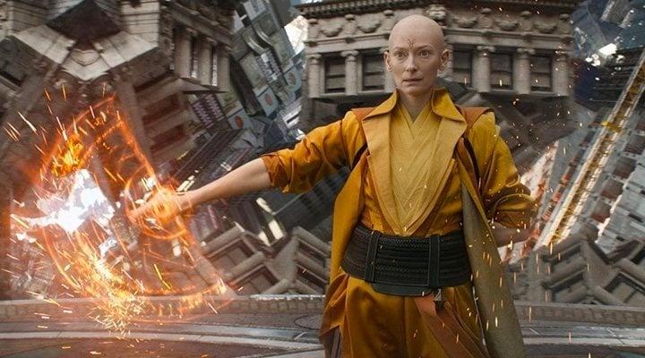 Tilda Swinton como el Anciano en 'Doctor Strange'