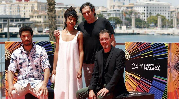 El equipo de 'El vientre del mar' en el Festival de Málaga 2021