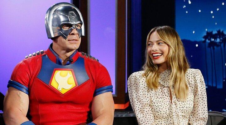 John Cena y Margot Robbie durante la promoción de 'El Escuadrón Suicida'
